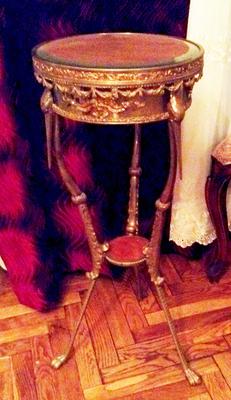 Столик (Консоль)