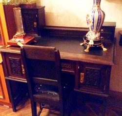 Письменный стол со стулом
