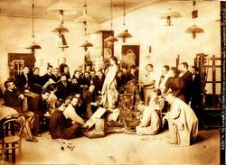 Фотография мастерской И.Е. Репина в Академии художеств.