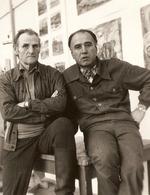 В.Н. Зачиняев (слева) и живописец  Г.А. Киракозов на Академической даче им. И.Е. Репина. 1981 г.