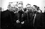 На художественной выставке в залах ЛОСХ-а. Слева направо: Е.Е. Моисеенко, В.М. Петров-Маслаков, Д.П. Бучкин, Никитин (директор КЖОИ).1980-е годы.