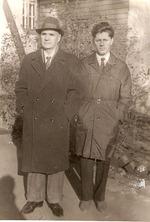 В.В. Дубяго (справа) . 1960-е годы.